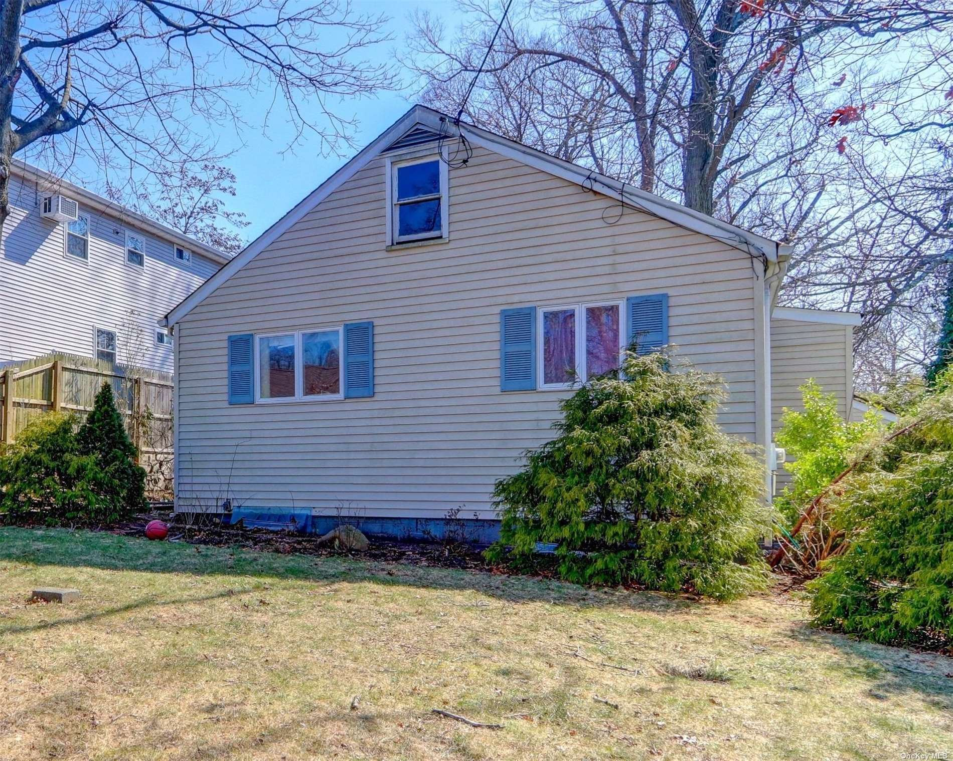 64 E 20th Street, Huntington Station, NY 11746 - MLS#: 3253879