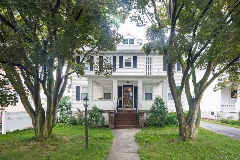 27 Stephenson Boulevard, New Rochelle, NY 10801 - #: H6142880