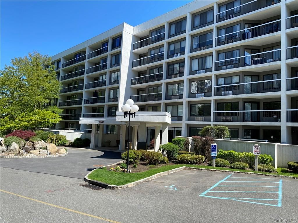 Photo of 400 High Point Drive #513, Hartsdale, NY 10530 (MLS # H6110881)