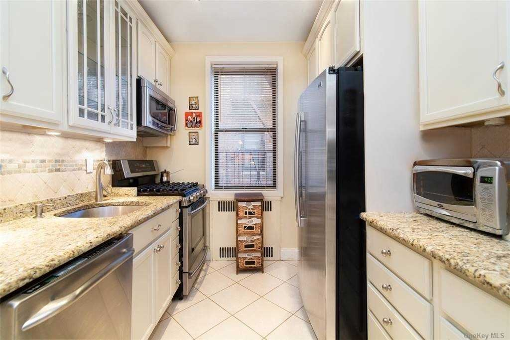 69-40 Yellowstone Blvd #417, Forest Hills, NY 11375 - MLS#: 3292883