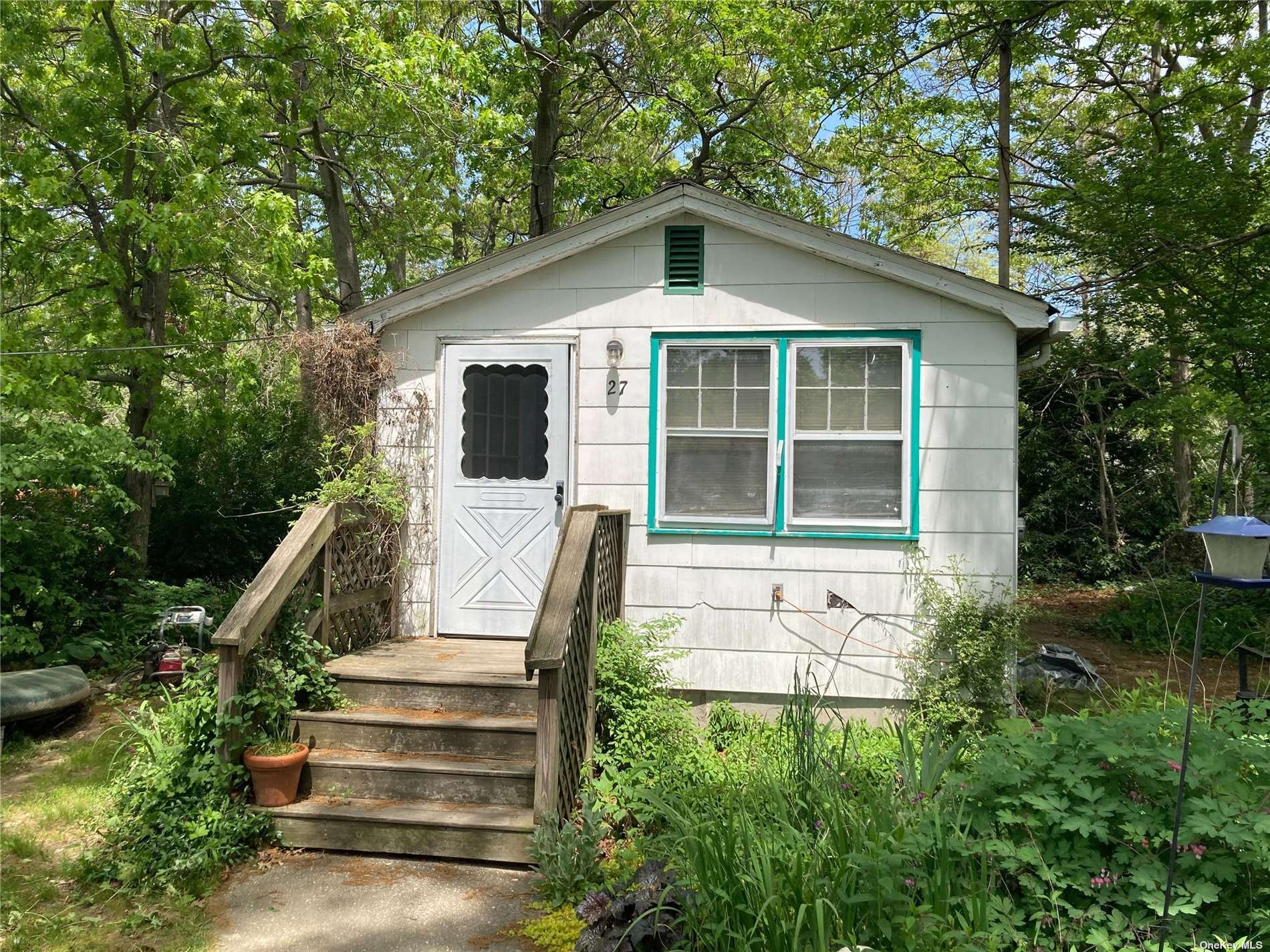 27 Middle Line Avenue, Medford, NY 11763 - #: 3313883