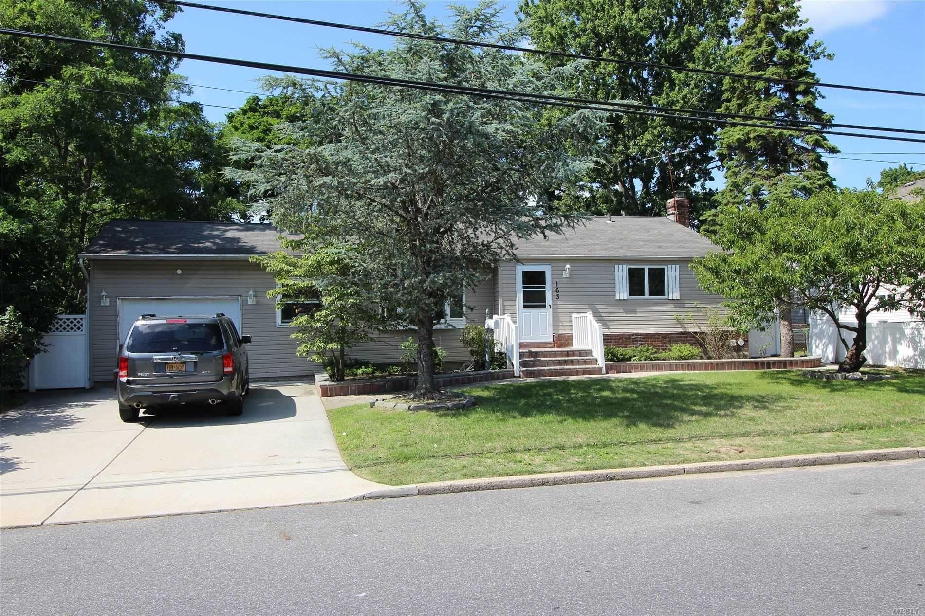 163 New Jersey Ave, Bay Shore, NY 11706 - MLS#: 3233885