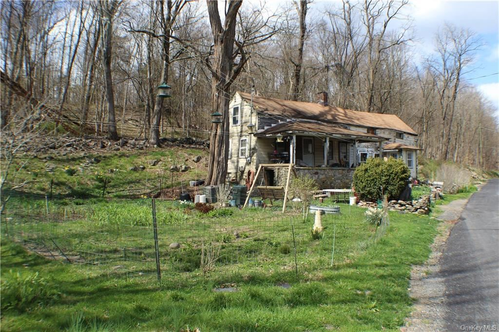 Photo of 157 Prospect Road, Middletown, NY 10941 (MLS # H6035885)