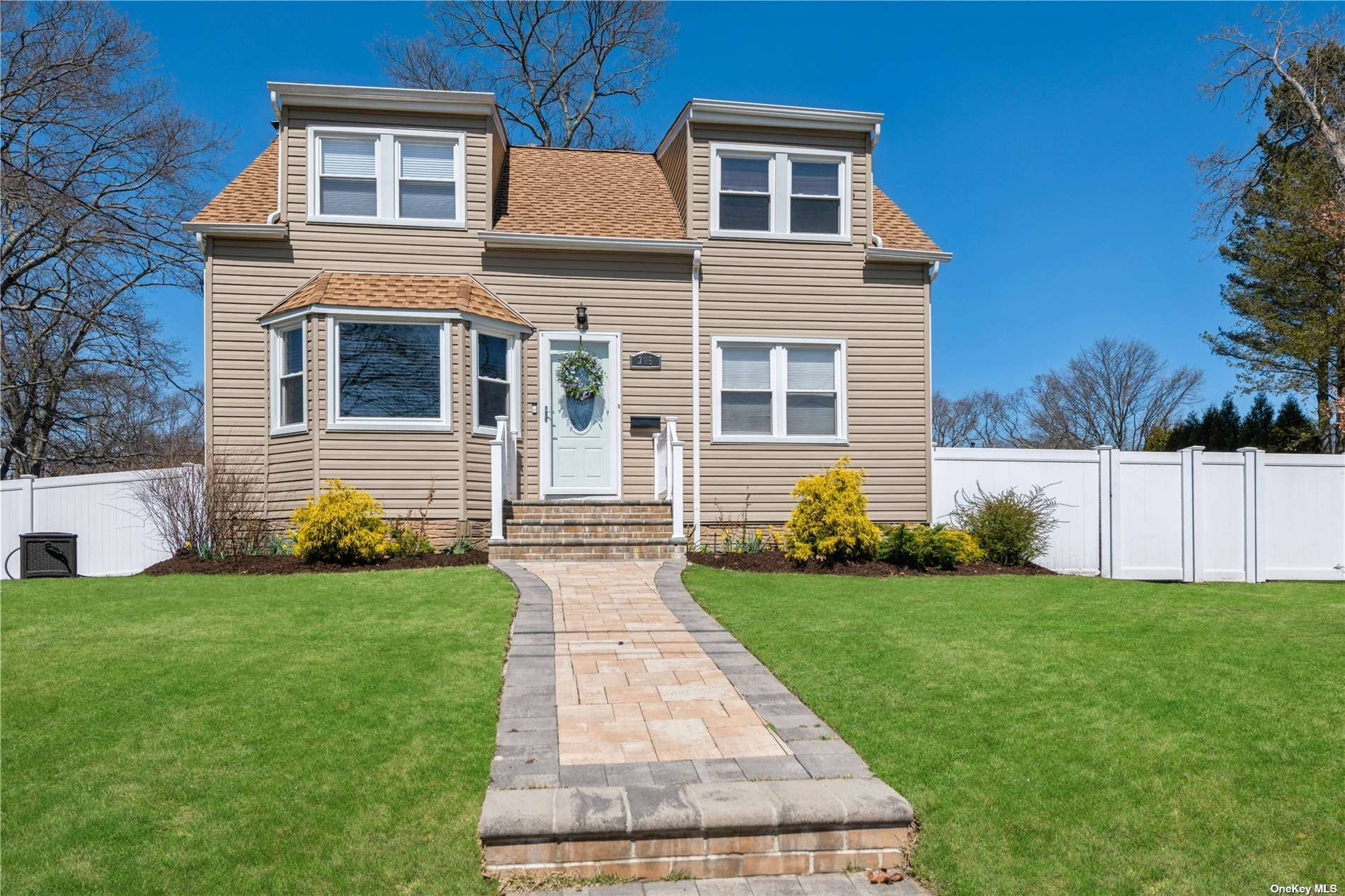 305 Claremont Avenue, West Babylon, NY 11704 - MLS#: 3298886