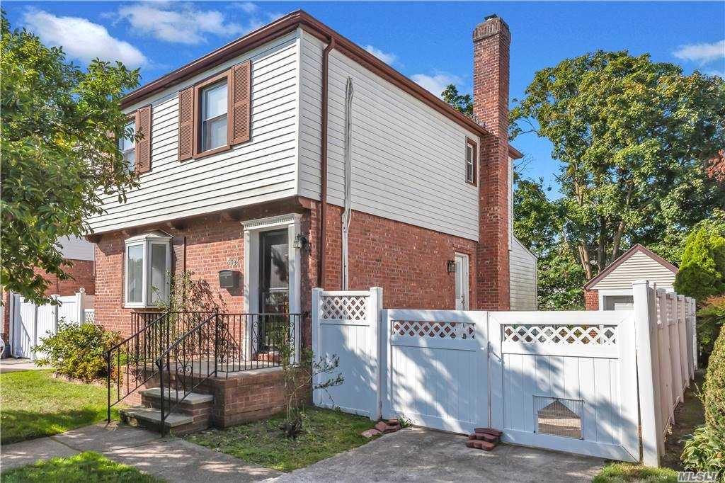 58-26 213 Street, Bayside, NY 11364 - MLS#: 3253889