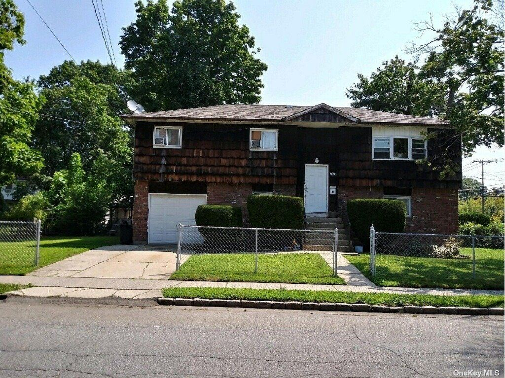 242a Sheridan St, Westbury, NY 11590 - MLS#: 3338889