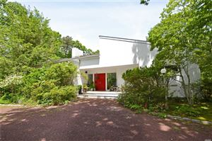 Photo of 2 Skyes Neck Ct, E. Quogue, NY 11942 (MLS # 3138890)