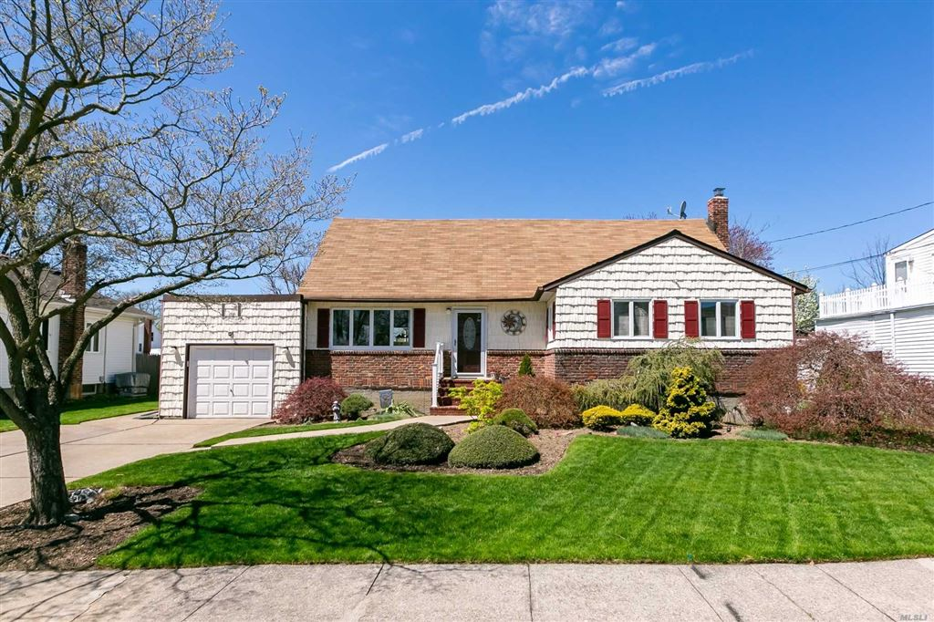 588 Center Dyer Avenue, West Islip, NY 11795 - MLS#: 3121890