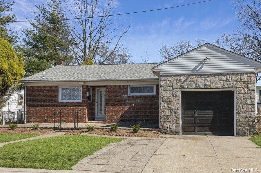 375 Baldwin Road, Hempstead, NY 11550 - MLS#: 3294890