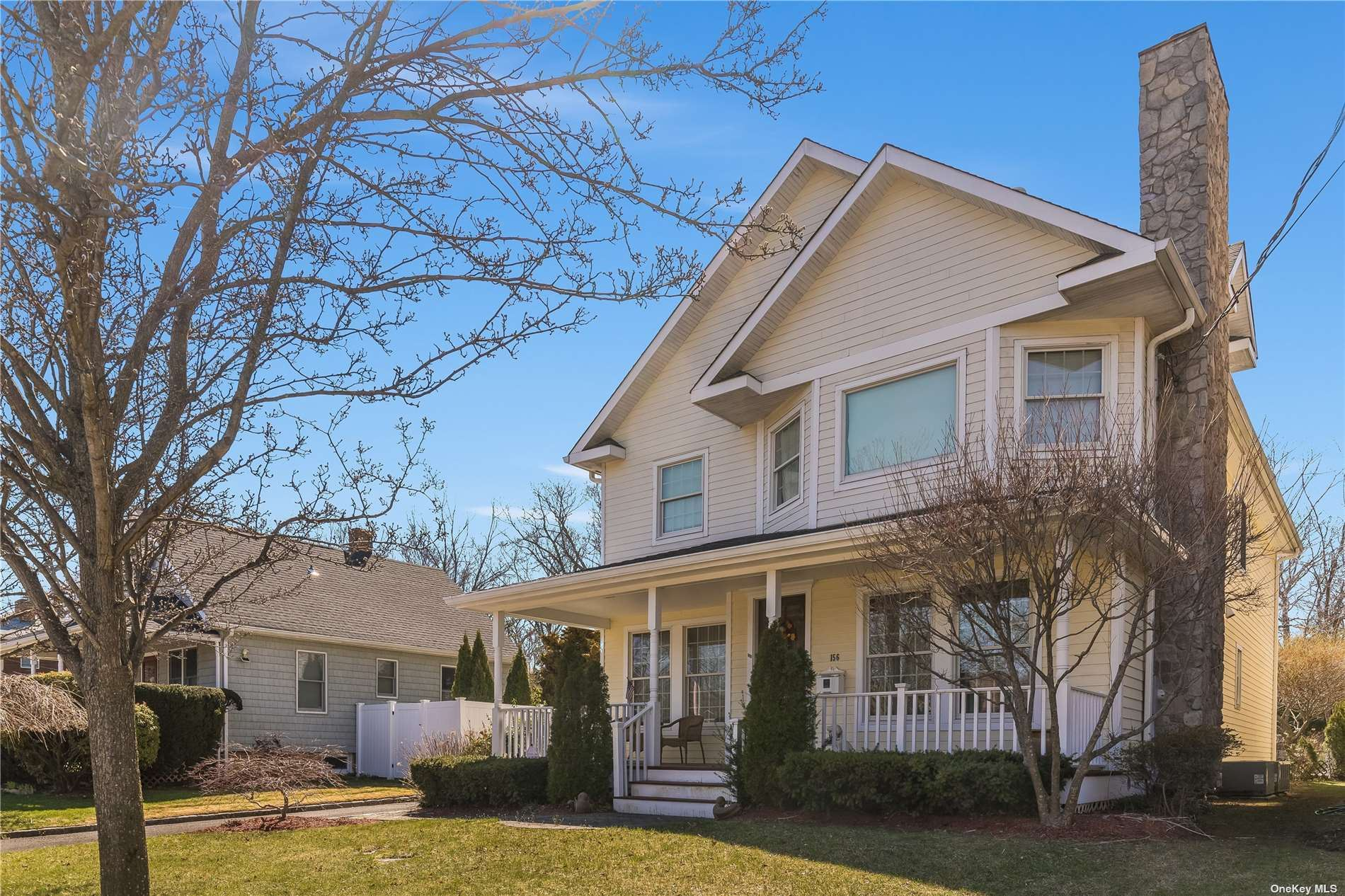 Photo of 156 Summers Street, Oyster Bay, NY 11771 (MLS # 3300891)