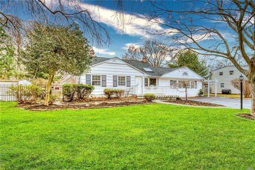 Photo of 10 N Ingelore Ct, Smithtown, NY 11787 (MLS # 3189892)