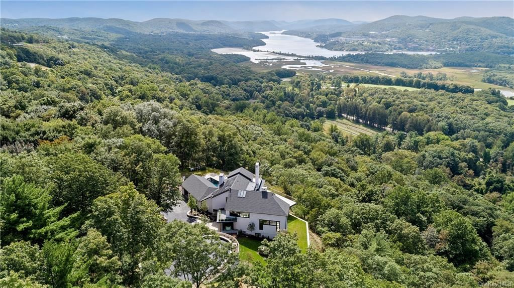 Photo for 20 Windy Ridge, Cold Spring, NY 10516 (MLS # H6142893)
