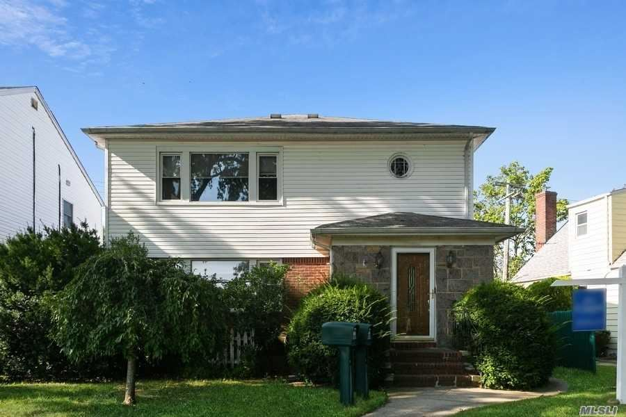 260 Floral Parkway, Floral Park, NY 11001 - MLS#: 3252895