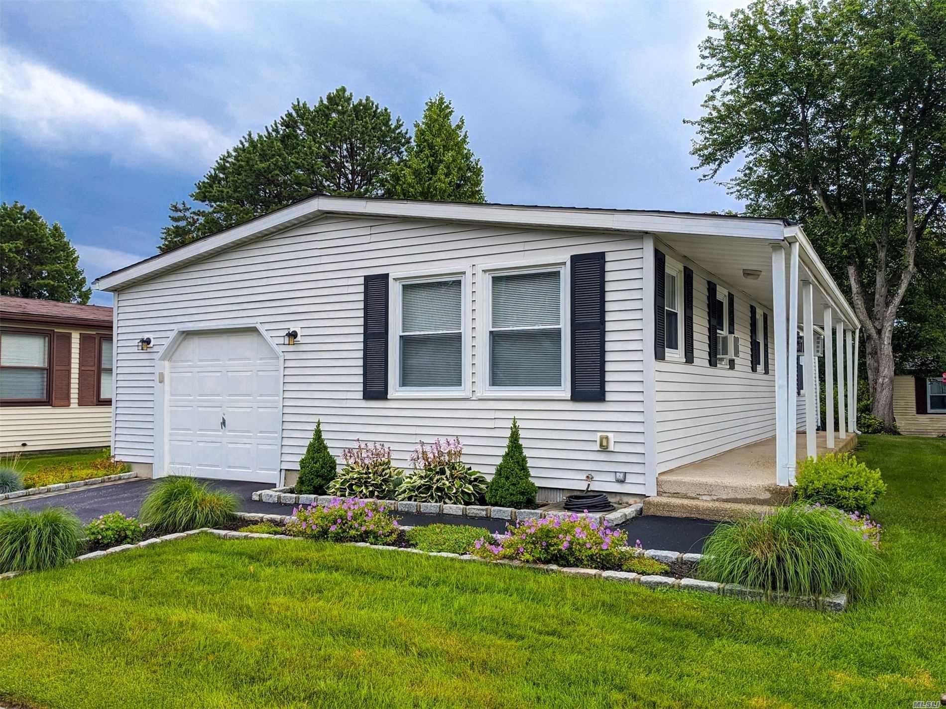 16 Village Circle, Manorville, NY 11949 - MLS#: 3236896