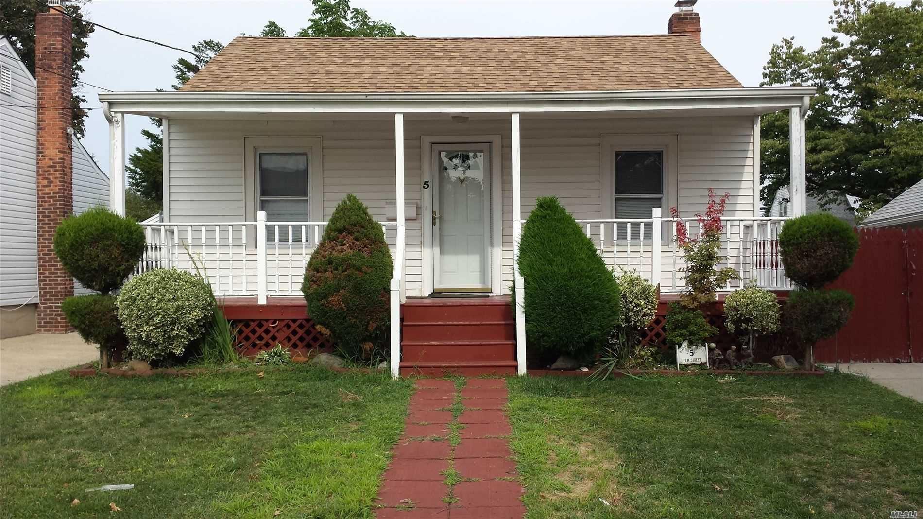 5 Elm St, Hicksville, NY 11801 - MLS#: 3229898