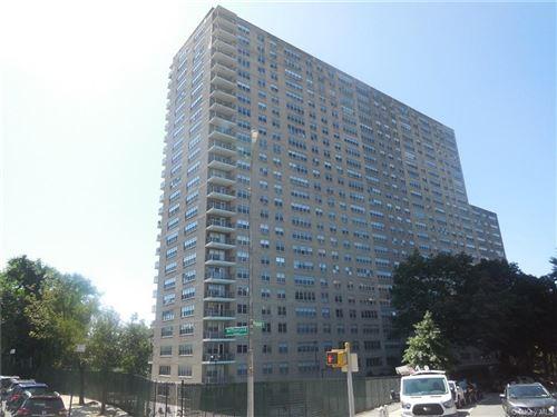 Photo of 555 Kappock Street #1K, BRONX, NY 10463 (MLS # H6091901)