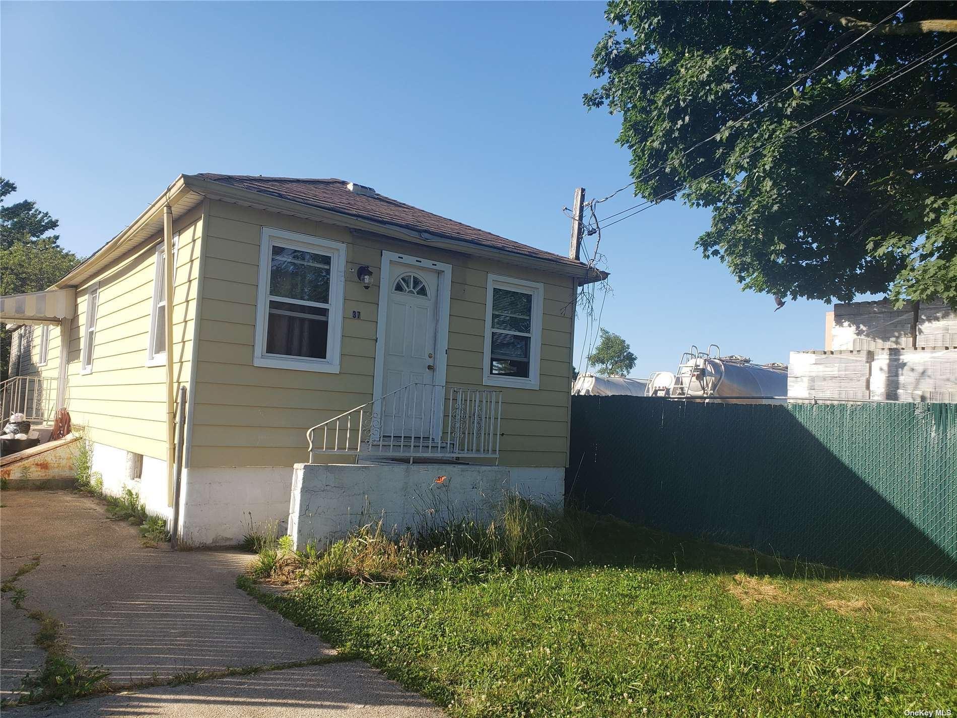 37 W Booker Avenue, Wyandanch, NY 11798 - MLS#: 3321901
