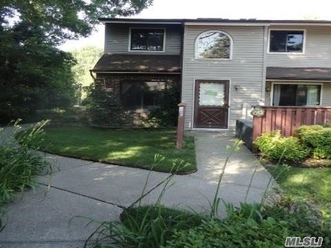 Photo of 782 Hilltop Ct, Coram, NY 11727 (MLS # 3196902)