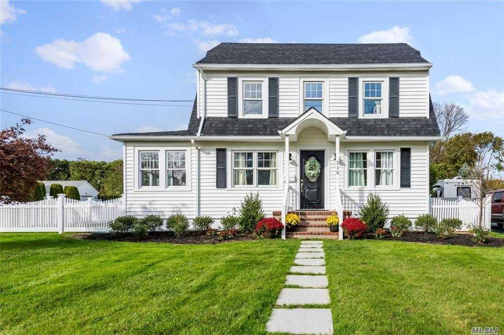 210 4th Avenue, East Northport, NY 11731 - MLS#: 3264903