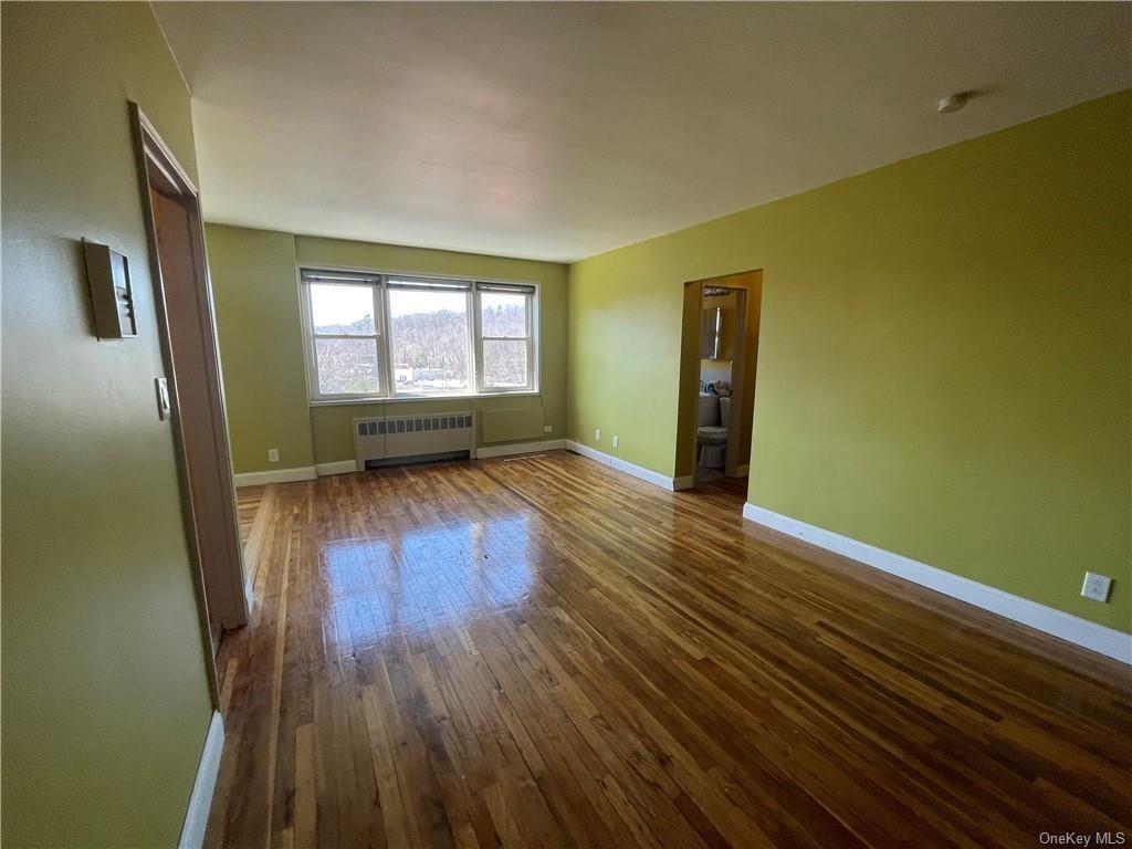 Photo of 30 E Hartsdale Avenue #6L, Hartsdale, NY 10530 (MLS # H6107905)