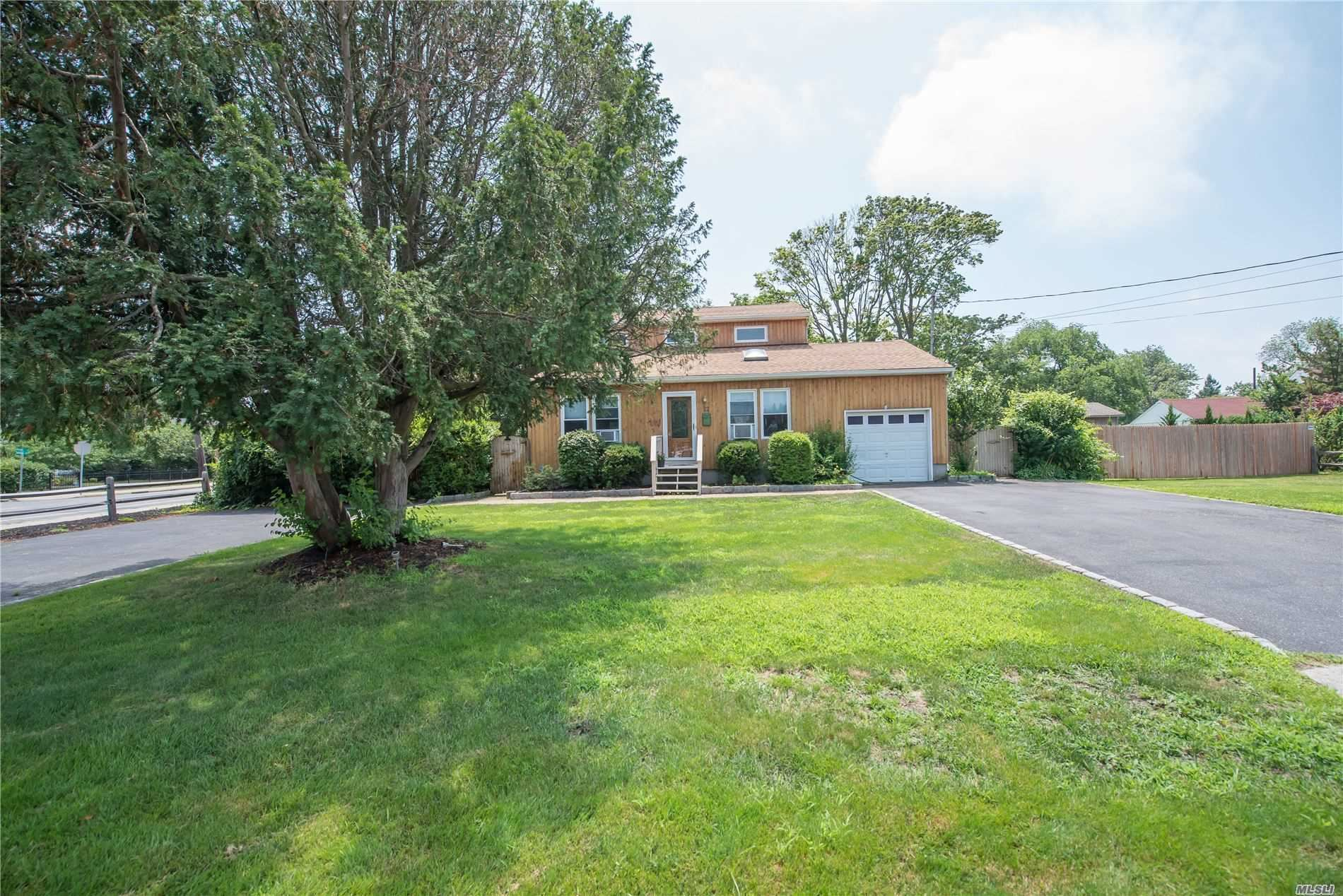 22 Laurel Street, Patchogue, NY 11772 - MLS#: 3235907