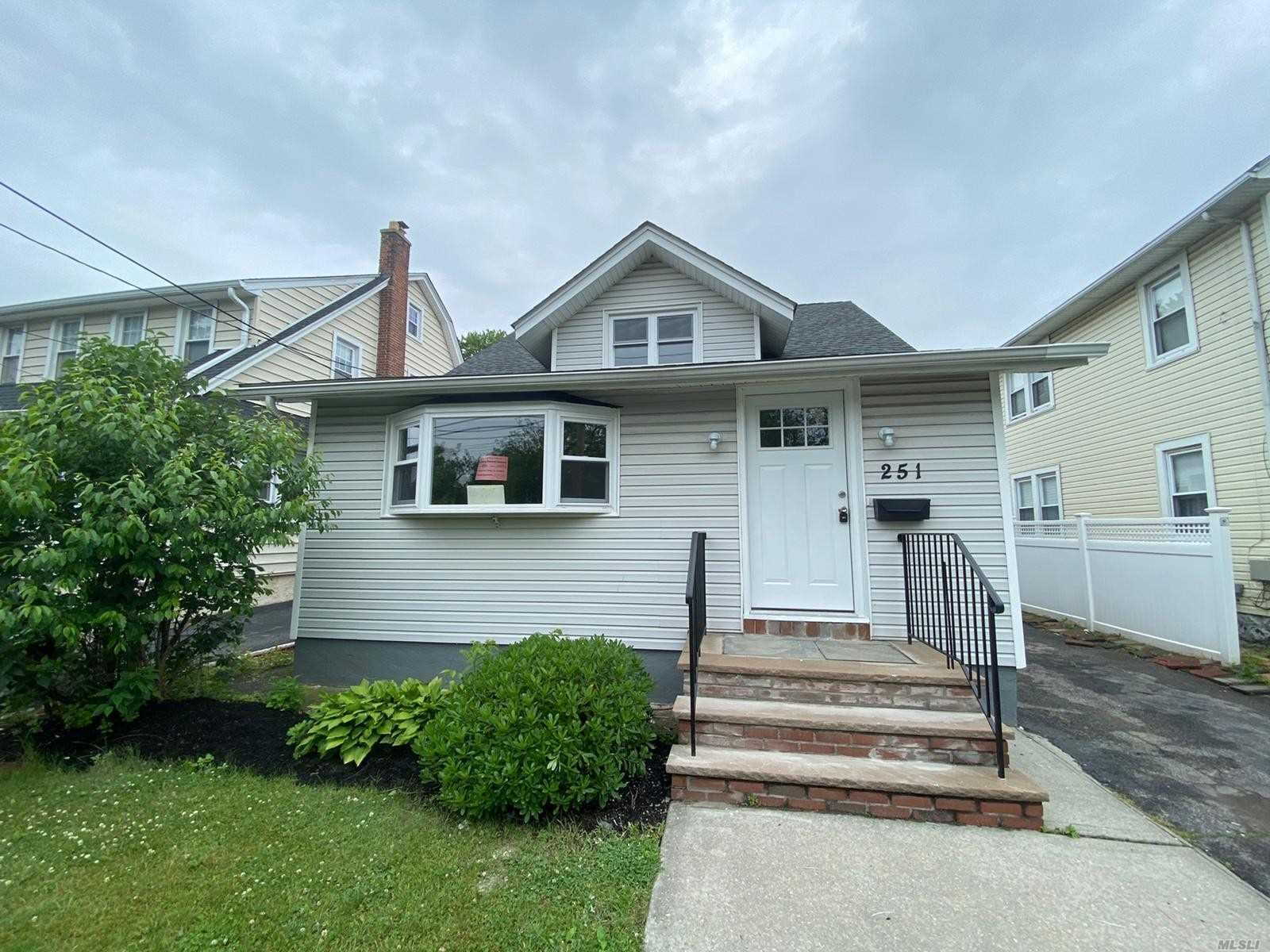 251 Forest Avenue, Lynbrook, NY 11563 - MLS#: 3227908