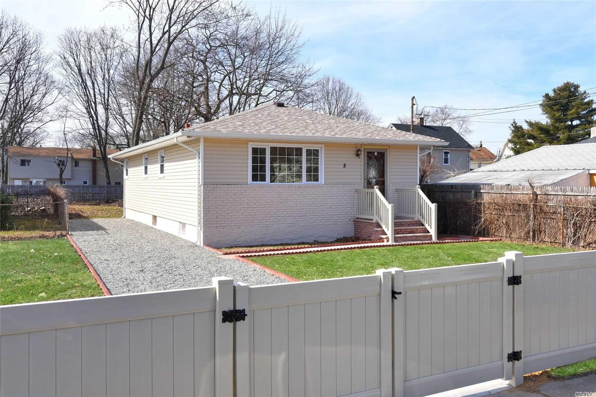 5 Gombert Place, Roosevelt, NY 11575 - MLS#: 3202910