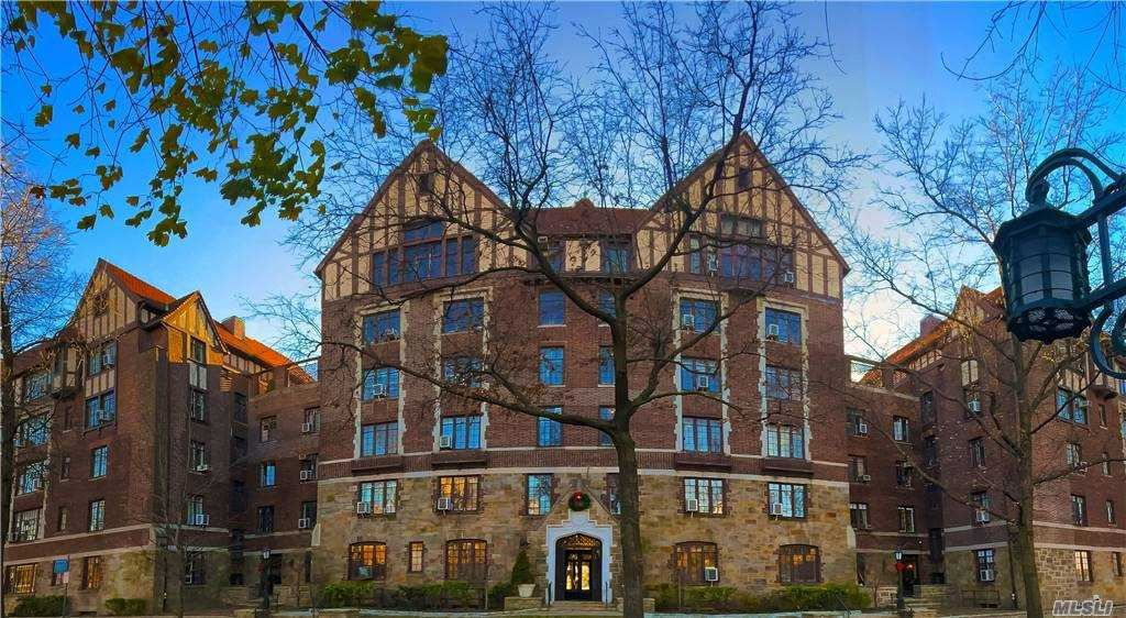 10 Holder Place #1F, Forest Hills, NY 11375 - MLS#: 3241910