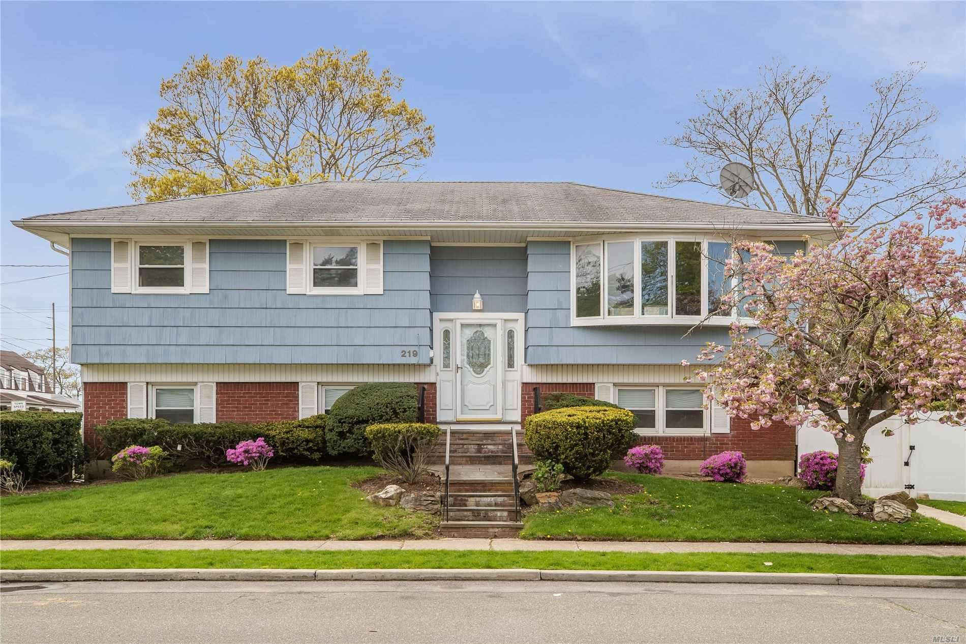 219 Pearsall Pl, Woodmere, NY 11598 - MLS#: 3213911