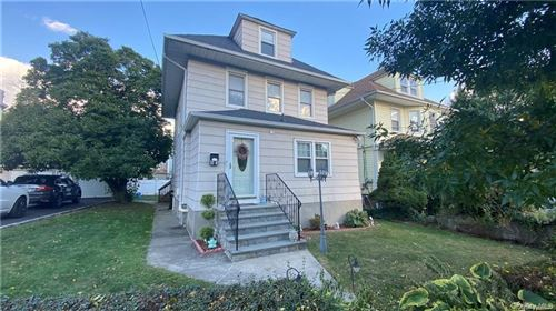 Photo of 53 Cleveland Avenue, New Rochelle, NY 10801 (MLS # H6107912)