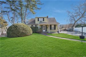 Photo of 21 Hill Dr, Oyster Bay, NY 11771 (MLS # 3010913)