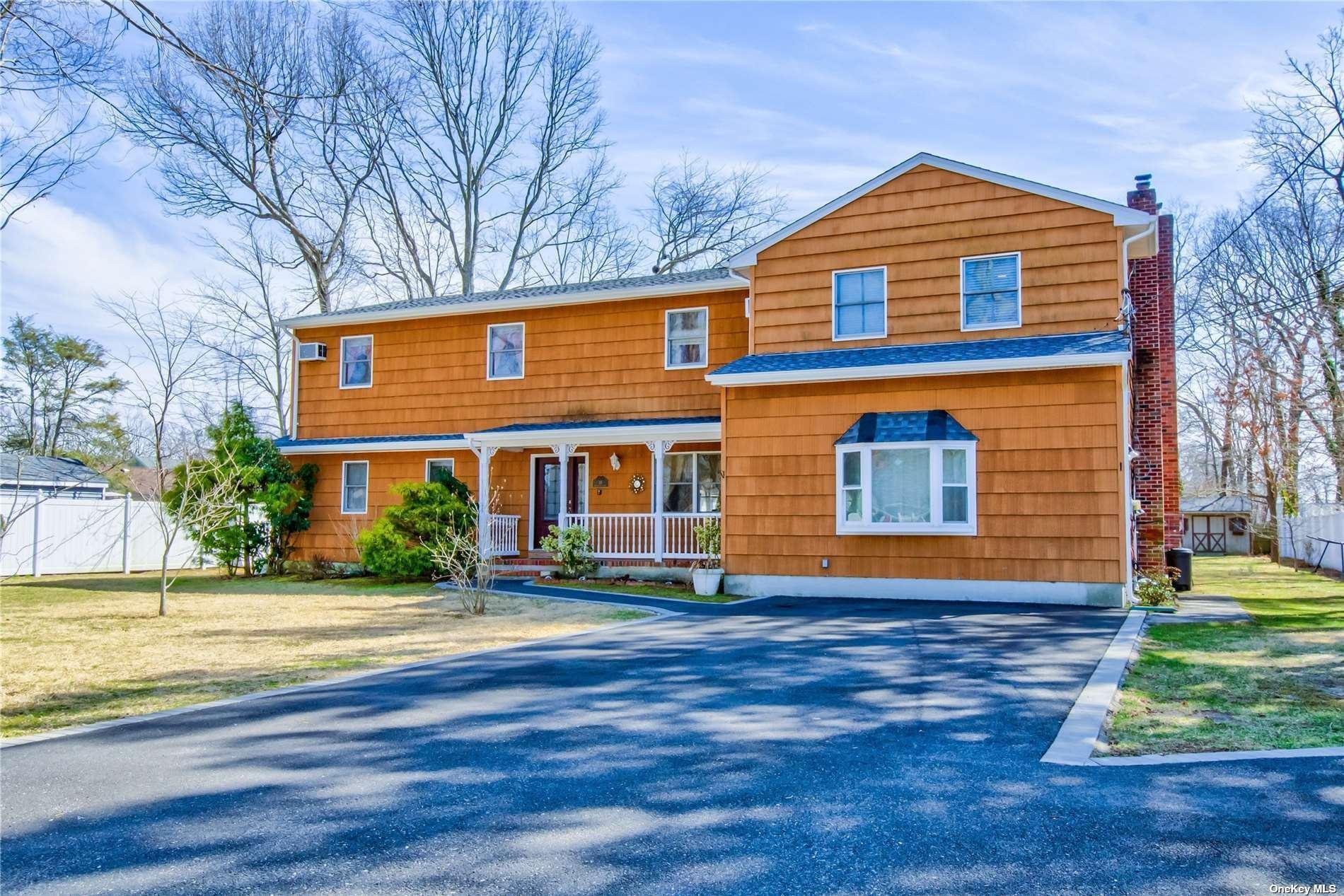 10 Winnetica Lane, East Islip, NY 11730 - MLS#: 3296915