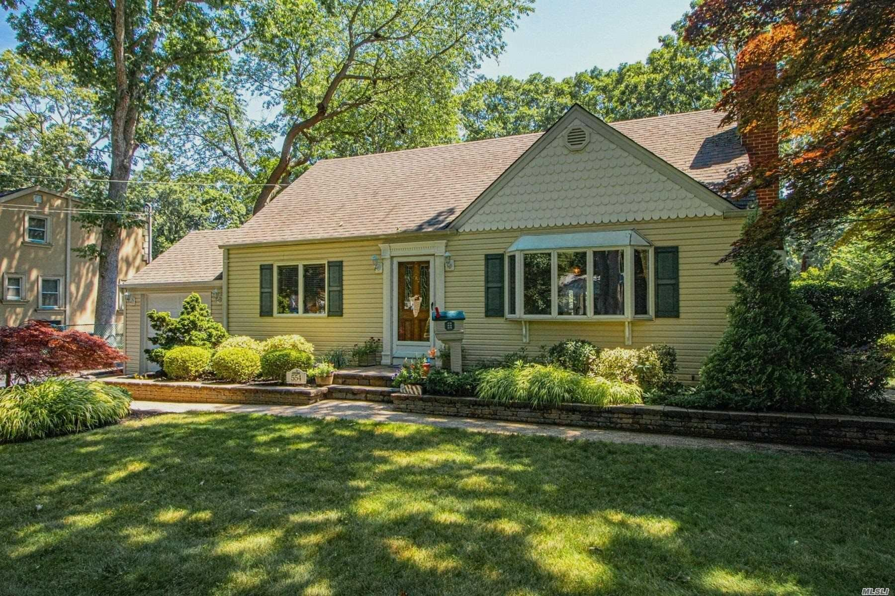 554 Potter Blvd, Brightwaters, NY 11718 - MLS#: 3234919