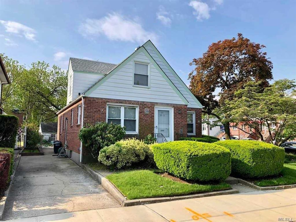255-04 85 Avenue, Floral Park, NY 11001 - MLS#: 3131920