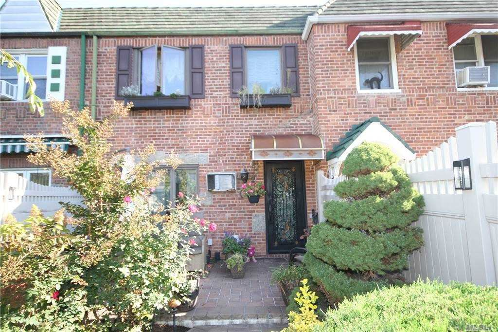 60-23 77th Place, Middle Village, NY 11379 - MLS#: 3261920