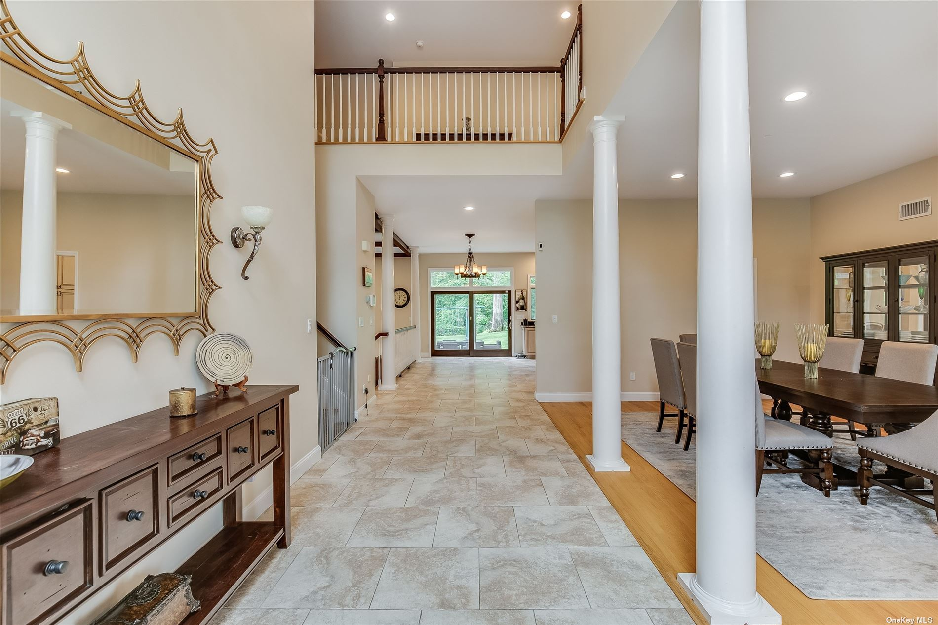 Photo of 8 Schoolhouse Place, Oyster Bay, NY 11771 (MLS # 3340921)