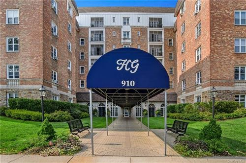 Photo of 910 Stuart Avenue #7C, Mamaroneck, NY 10543 (MLS # H6077923)