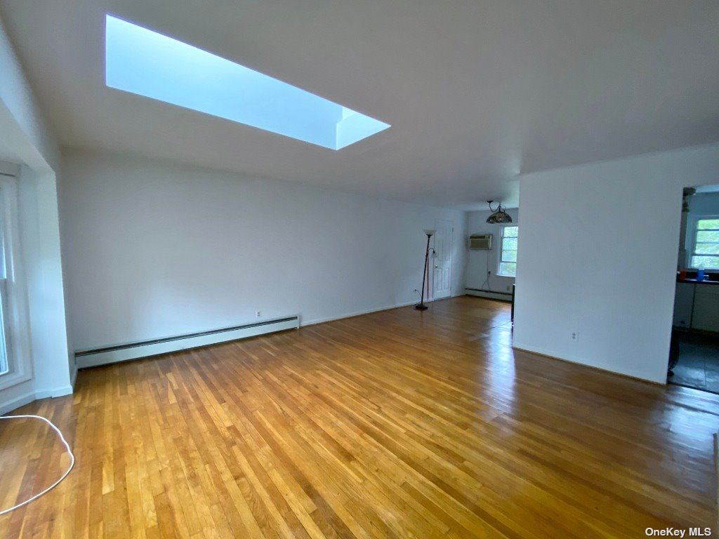Photo of 20 Darby Place, Glen Head, NY 11545 (MLS # 3352924)