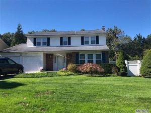 Photo of 15 Quincy Ln, Smithtown, NY 11787 (MLS # 3167926)