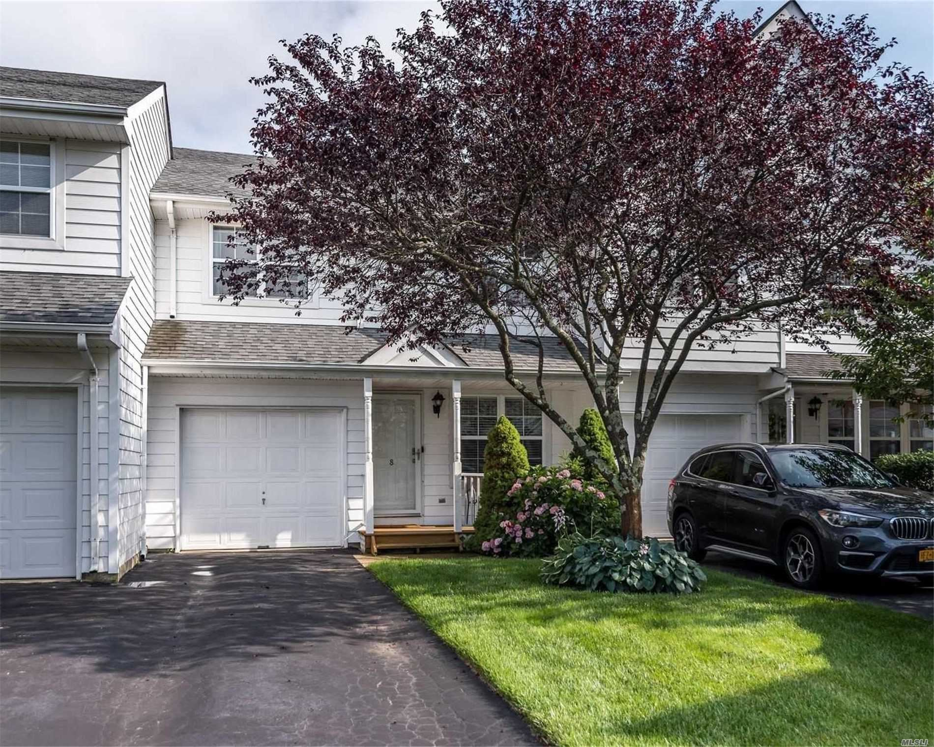 8 Clubhouse Circle, Central Islip, NY 11722 - MLS#: 3234926