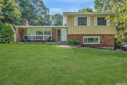 Photo of 6 George Court, Miller Place, NY 11764 (MLS # 3345927)