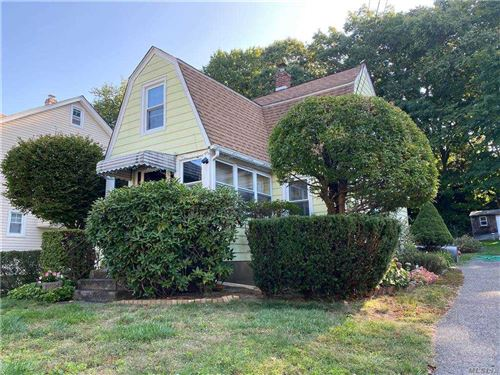 Photo of 67 Summers Street, Oyster Bay, NY 11771 (MLS # 3254929)