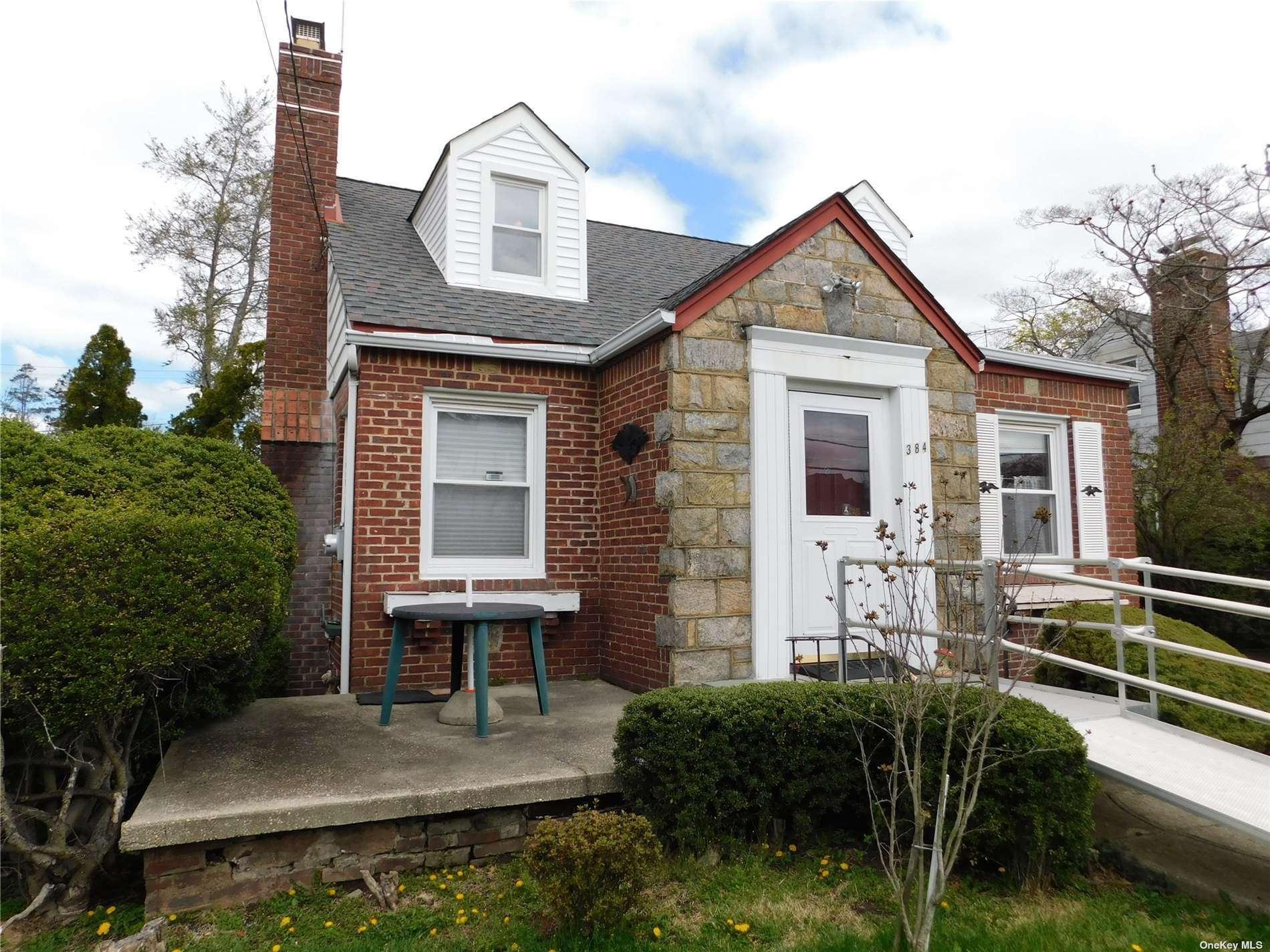 384 Tudor Place, West Hempstead, NY 11552 - MLS#: 3302929