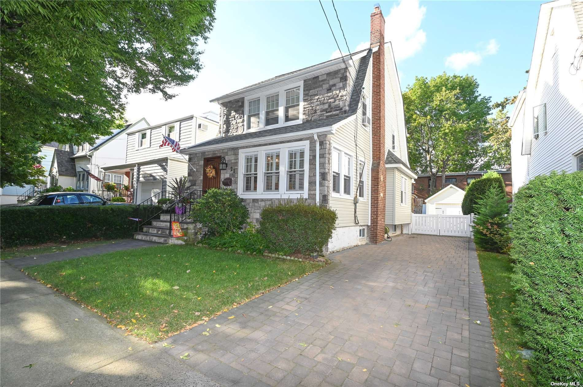 21 Adelaide Street, Floral Park, NY 11001 - MLS#: 3346930