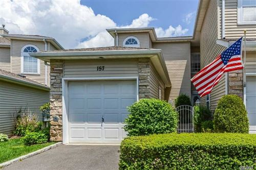 Photo of 157 Windwatch Dr, Hauppauge, NY 11788 (MLS # 3181935)
