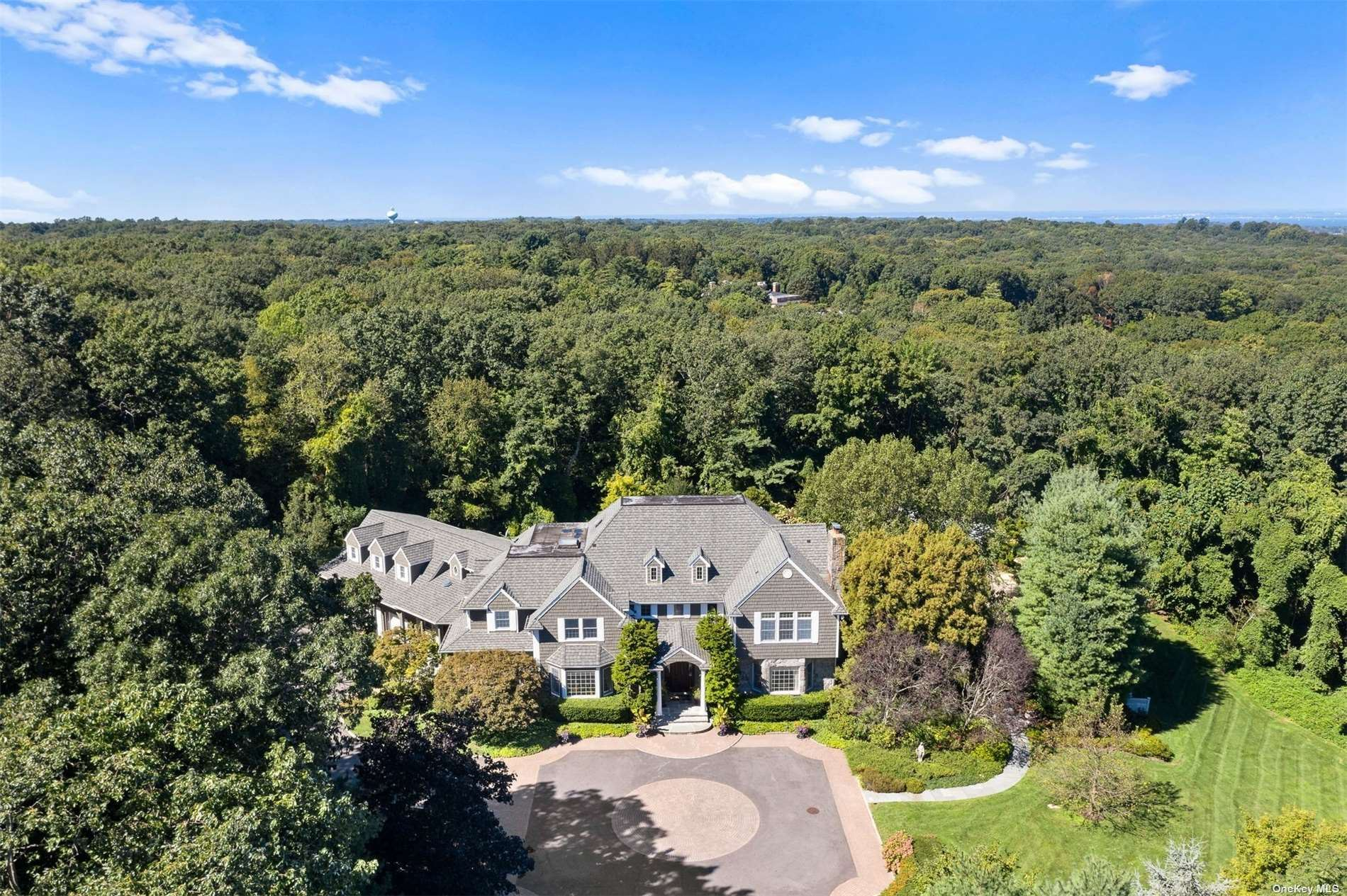 Photo of 42 Yellow Cote Road, Oyster Bay Cove, NY 11771 (MLS # 3350936)