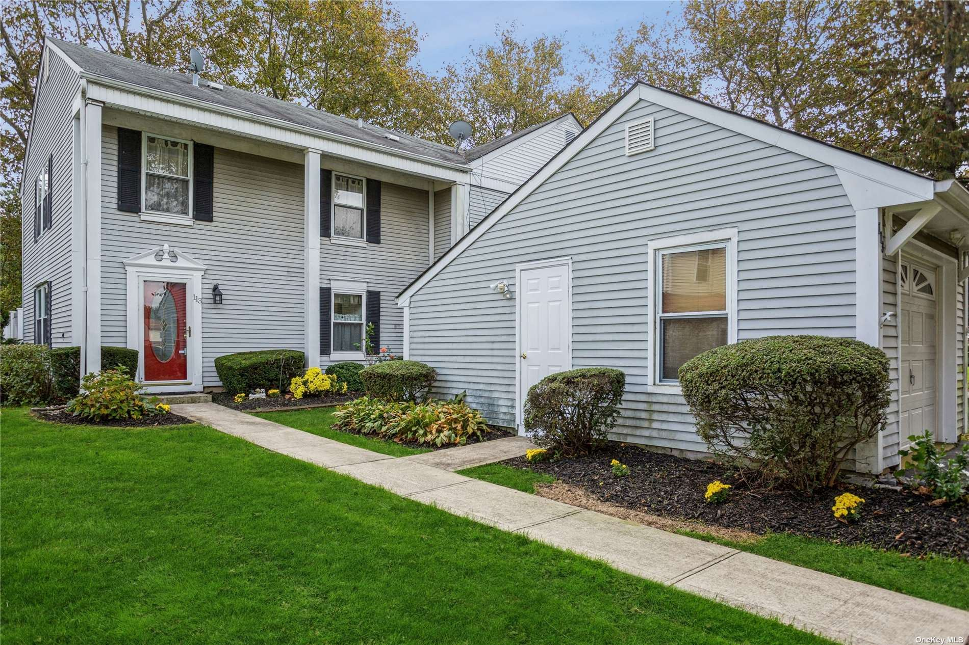 113 Strathmore Court Drive, Coram, NY 11727 - #: 3349937