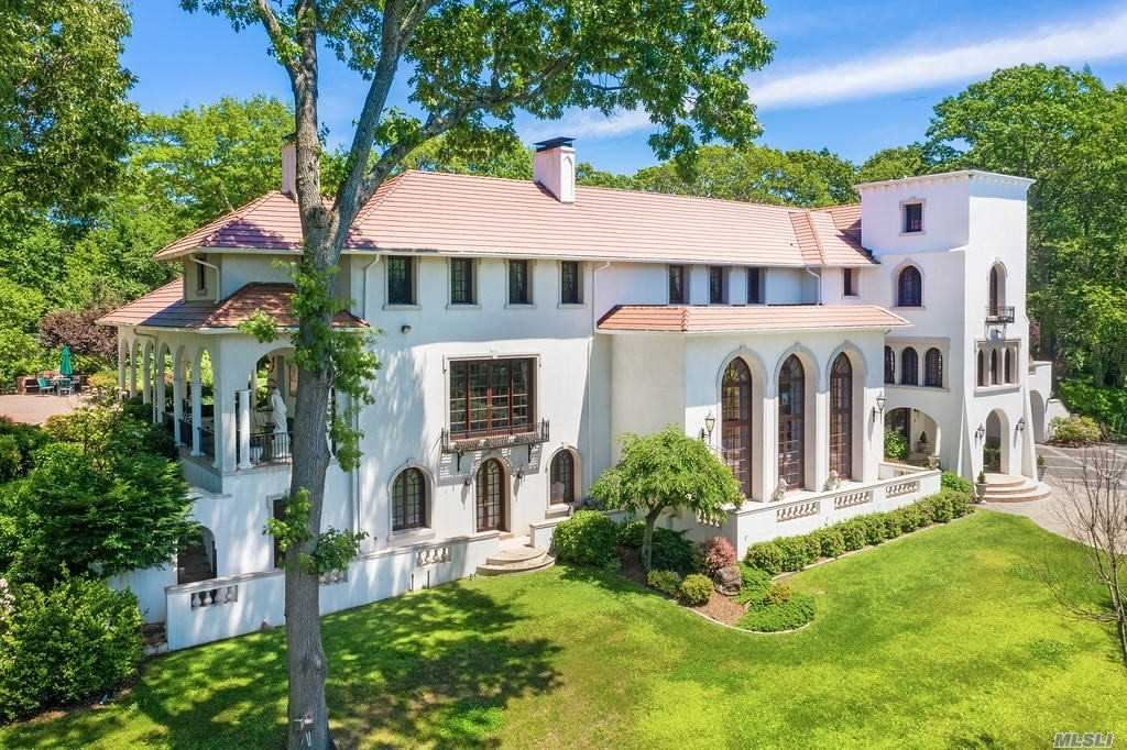 Photo of 61 Private Rd, Mill Neck, NY 11765 (MLS # 3221938)