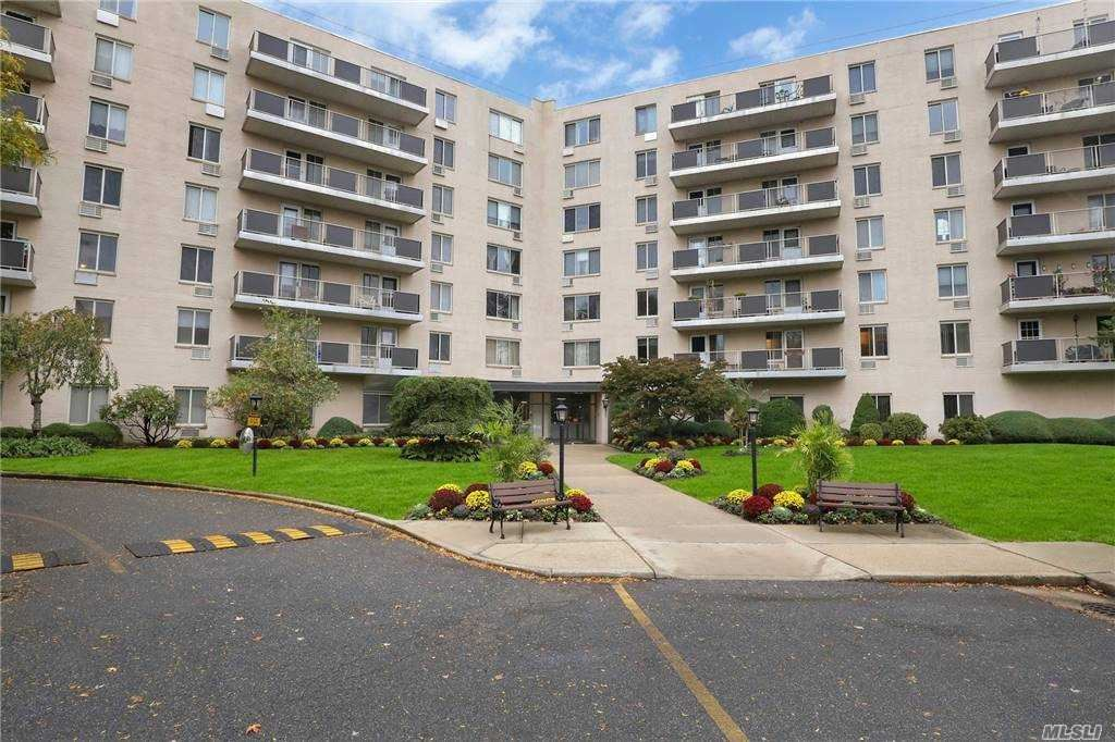 135 Post Avenue #6A, Westbury, NY 11590 - MLS#: 3267940