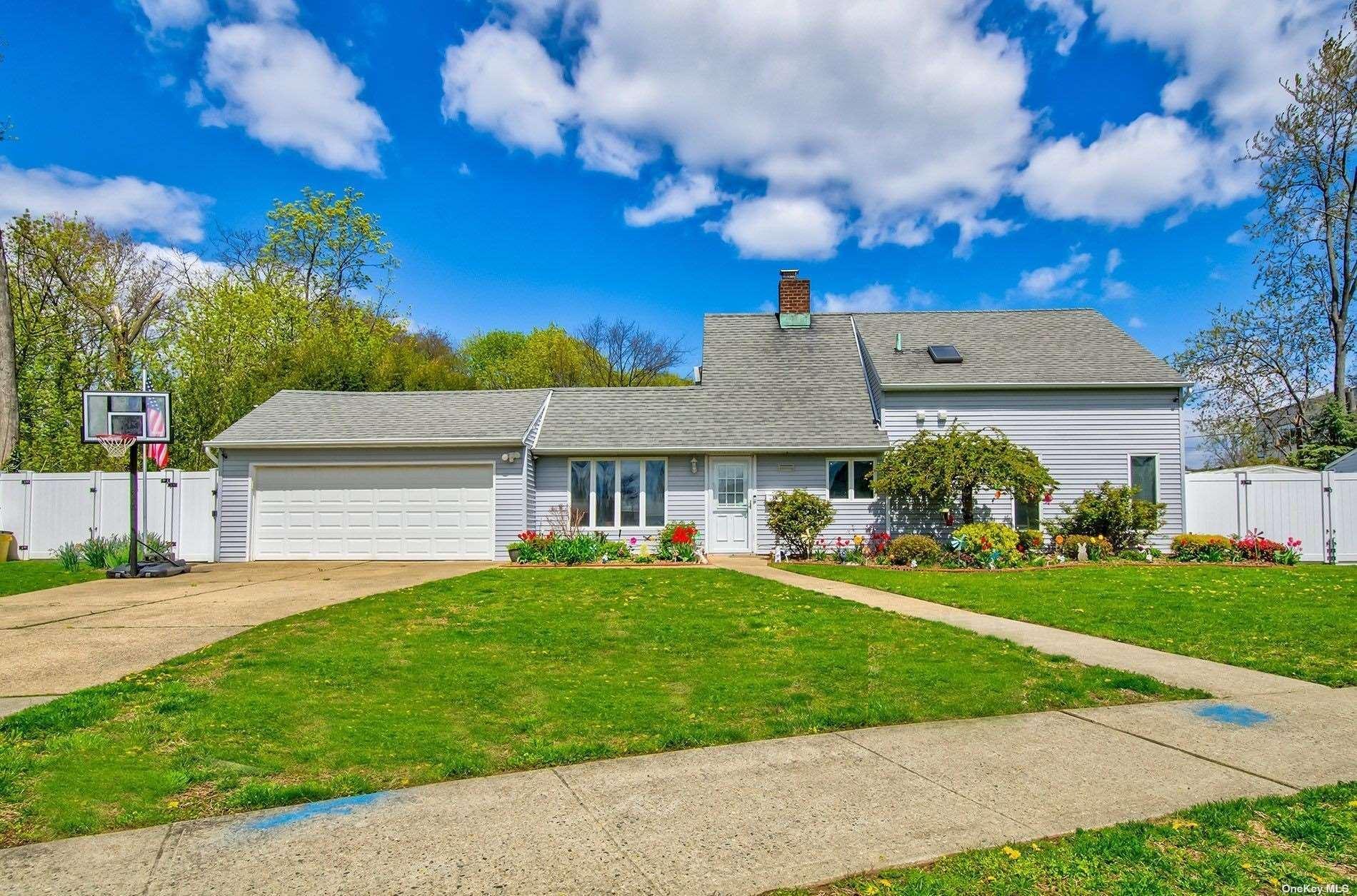 56 Rim Lane, Hicksville, NY 11801 - MLS#: 3307942